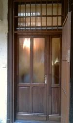 festett oldalvilágítós bejárati ajtó