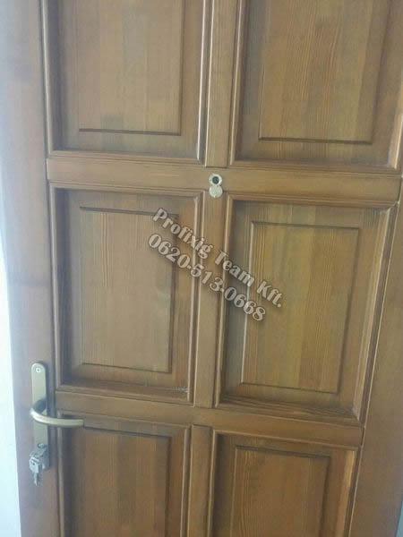 Kazettás bejárati ajtó