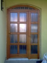 íves ajtó