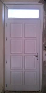 Felülvilágítós bejárati ajtó