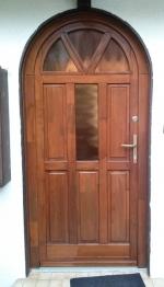 Íves borovi bejárati ajtó