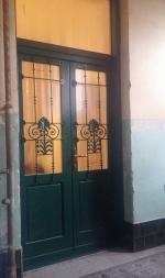 Fa bejárati ajtó műemlék házban