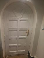 Fabetétes íves fa bejárati ajtó