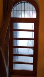 Fix üveges fa bejárati ajtó