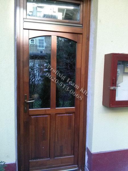 reflexiós üveges bejárati ajtó Budapest 9ker