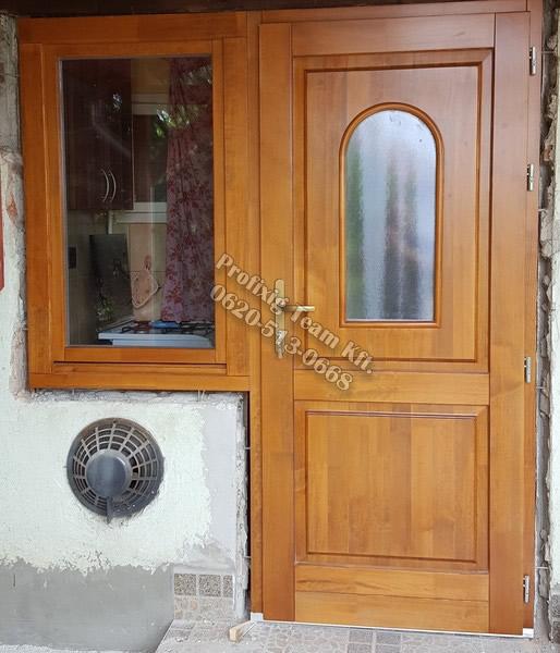 Kültéri fa ajtó