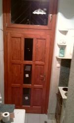 nyitható ablakos 9 kazettás fa ajtó