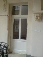 fogászat fehér ajtó
