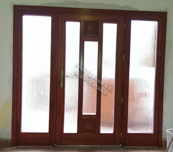 Egyszárnyú ajtó, borovifenyőből