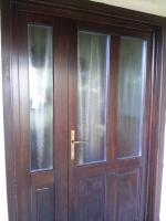 Üveges borovi ajtó