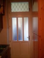 Felülvilágítós egyszárnyú ajtó