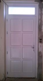 8 kazettás fehér bejárati ajtó
