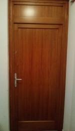 Telibetétes fa ajtó