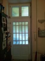 Felső ablakos belvárosi ajtó