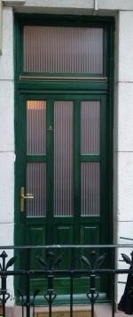 Hőszigetelt üveges bejárati ajtó