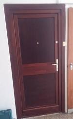 Panel lakás ajtó